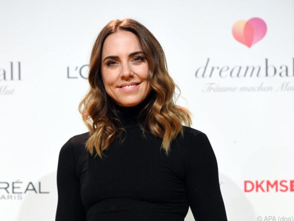 Die britische Sängerin ist dankbar, dass es Make-up gibt