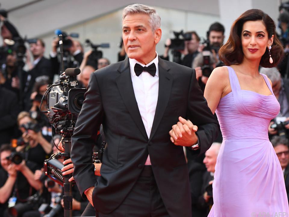 Die Clooneys helfen Flüchtlingen