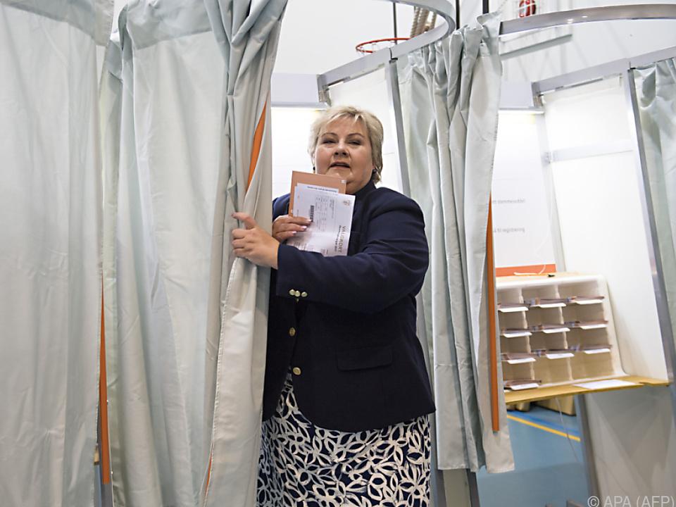 Erna Solberg kann weiter regieren