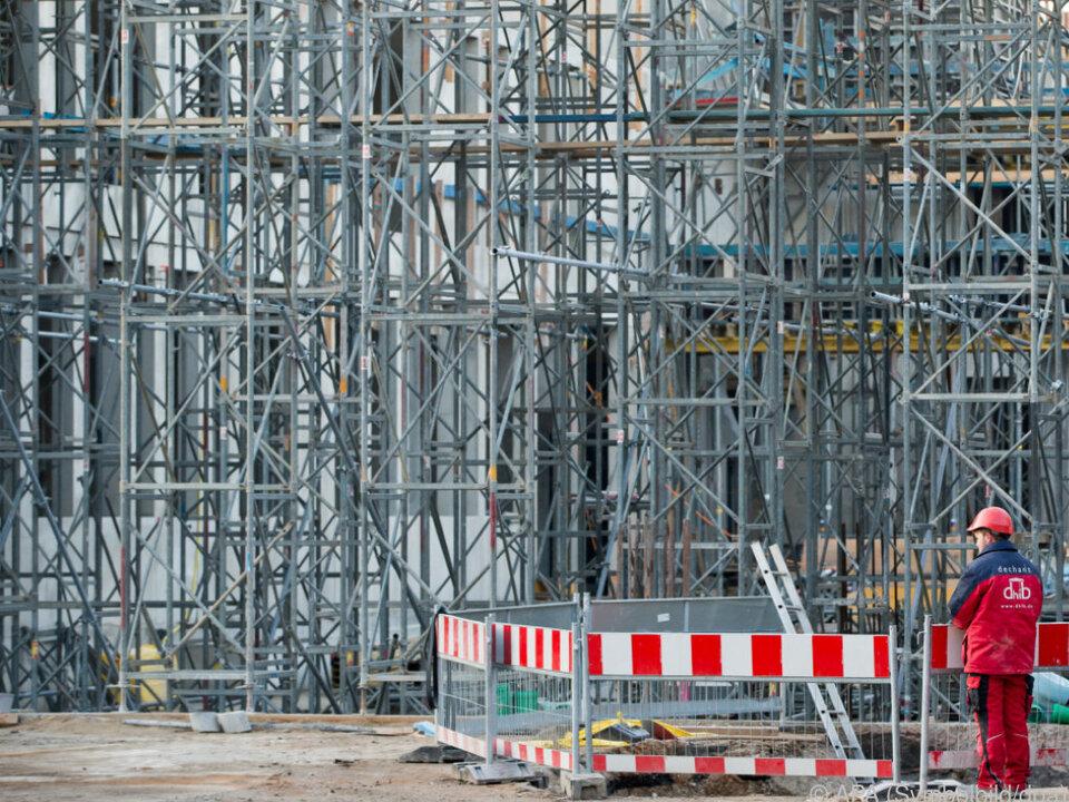 Es gab 24 zeitgleich stattfindende Hausdurchsuchungen in Wien, NÖ, OÖ