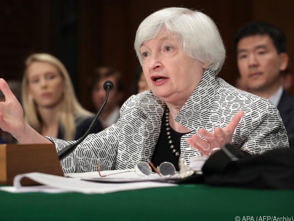 Fed-Chefin Yellen dämmt Geldflut ein