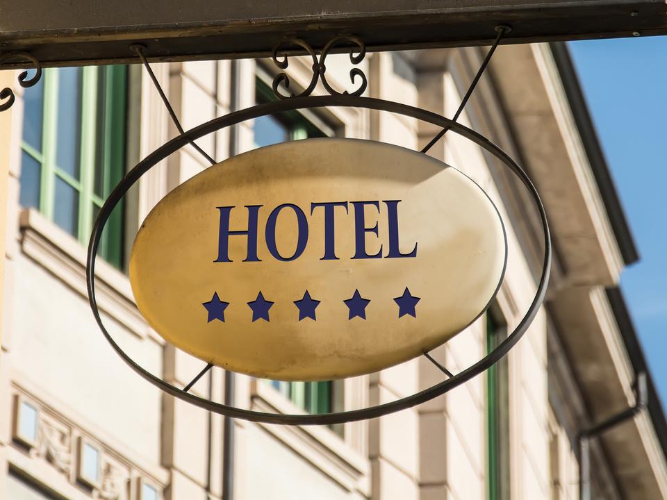 Schild 216 - Hotel Luxus