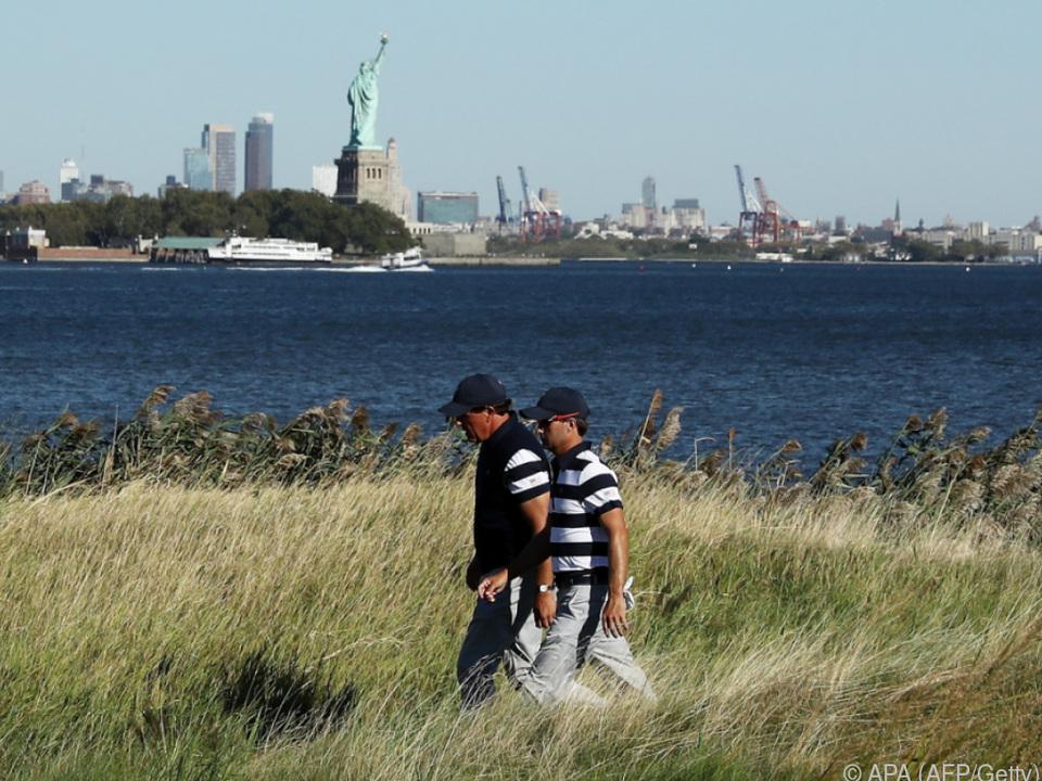 Golfen vis-a-vist von der Freiheitsstatue