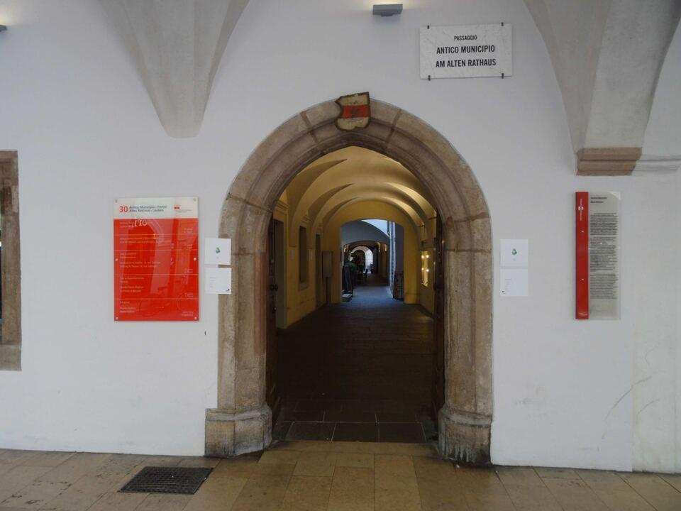 passaggio-am-alten-rathaus-eingang
