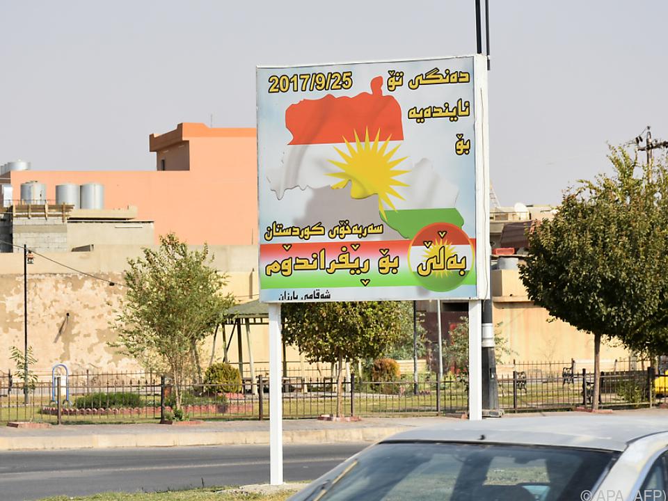 Plakat mit Aufruf zum Referendum in der Stadt Kirkuk