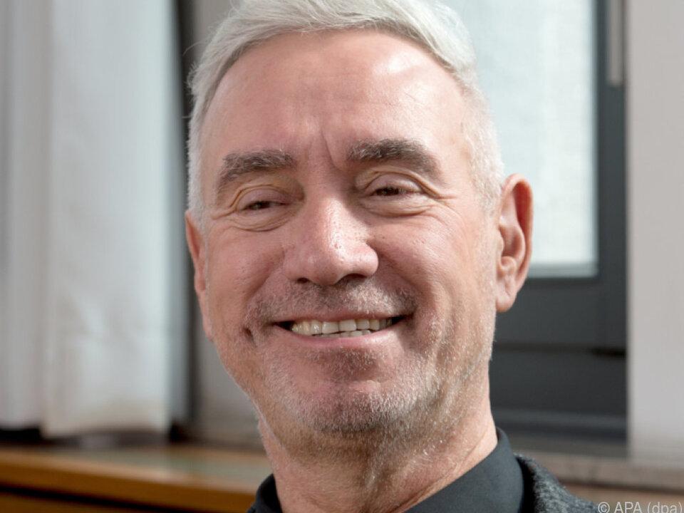 Roland Emmerich bekommt ein Budget von über 100 Mio. Dollar