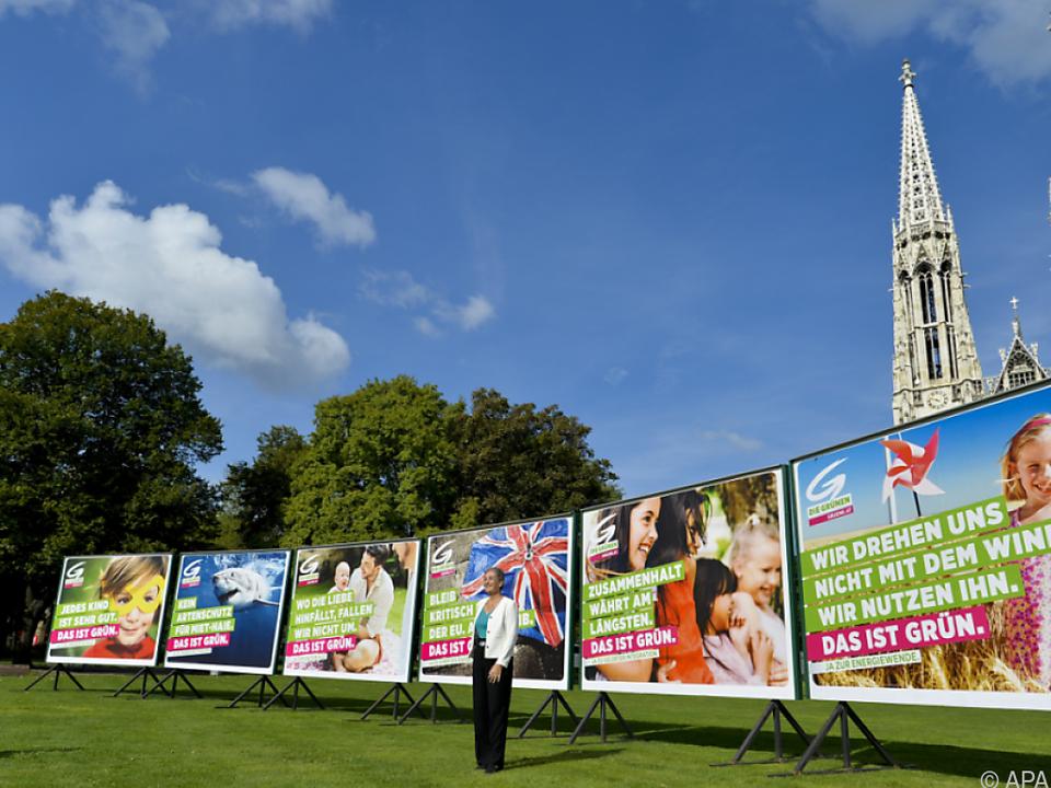 Sechs neue Plakatsujets affichieren die Grünen ab sofort