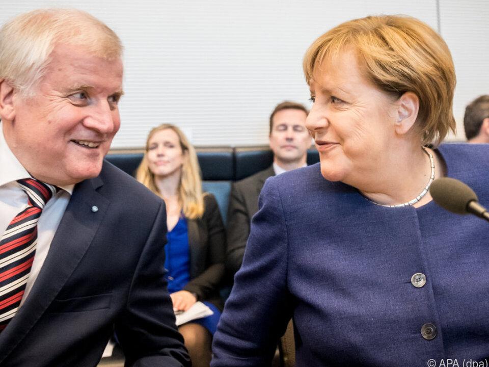 Seehofer und Merkel haben Gesprächsbedarf