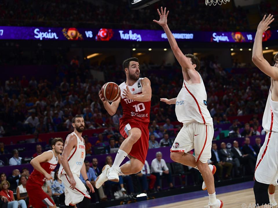 Spanien bezwang die Türkei 73:56