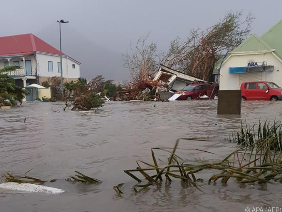 Überflutete Straßen in der Karibik