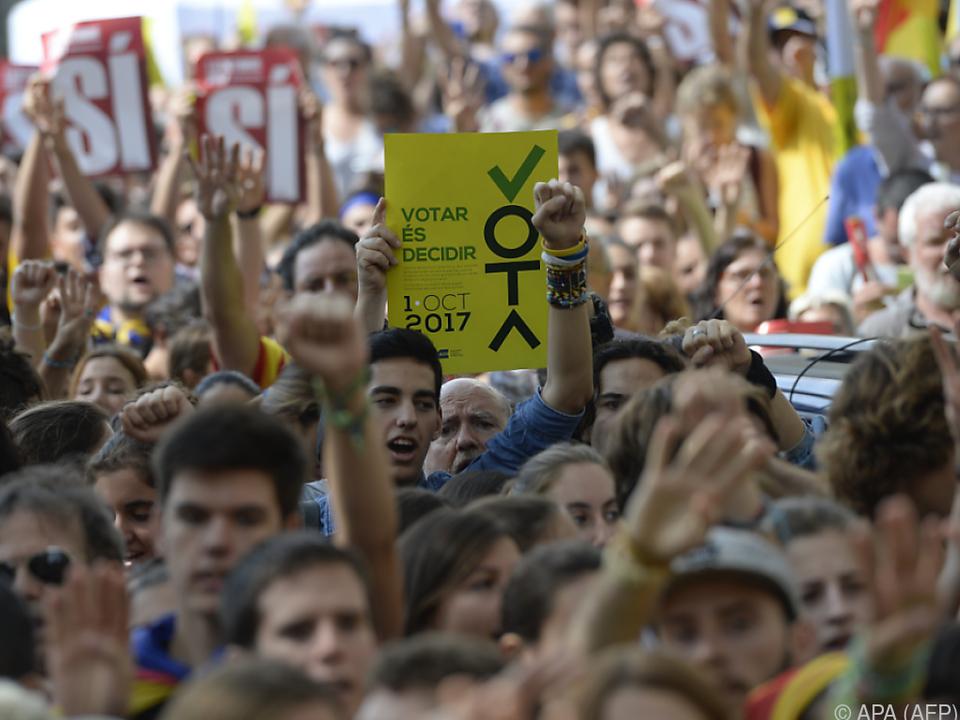 Unabhängigkeitsanhänger protestieren erneut gegen Madrid