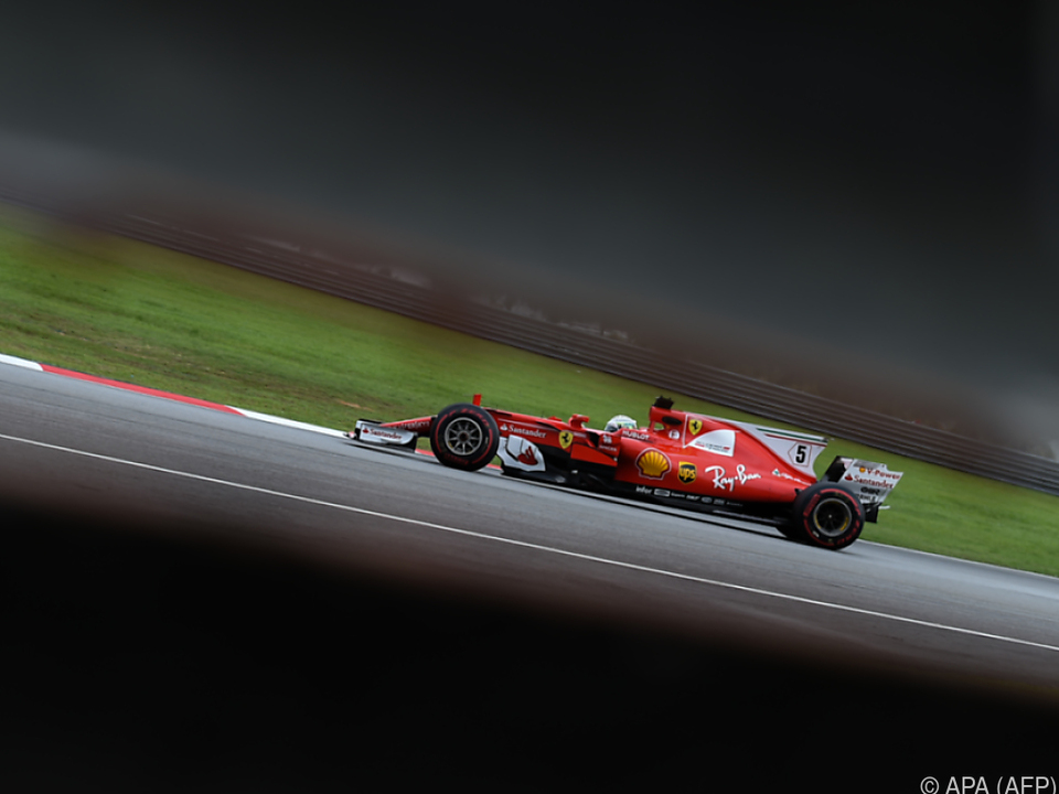 Vettel erzielte in der abgebrochenen Session Bestzeit