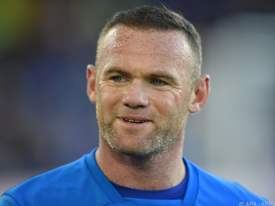 Wayne Rooney hat ein bisserl zu tief ins Glas geschaut