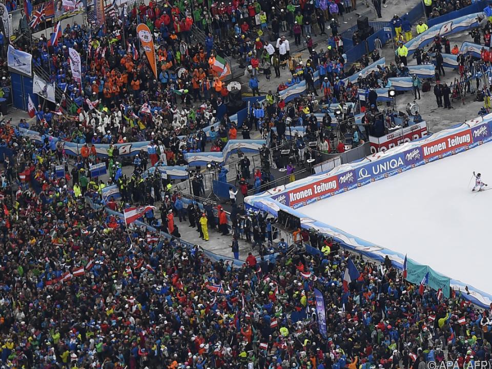 Alle Jahre wieder beginnt der der Ski-Zirkus in Sölden