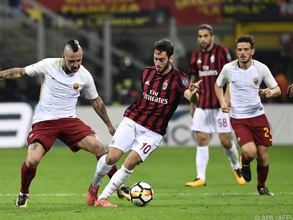 AS Roma holte beim AC Milan drei Punkte