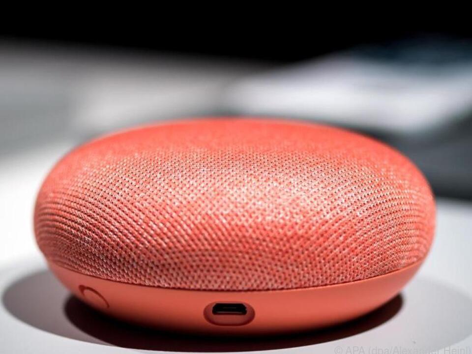 Der Google Mini gehört zur neuen Lautsprecher-Serie des Unternehmens