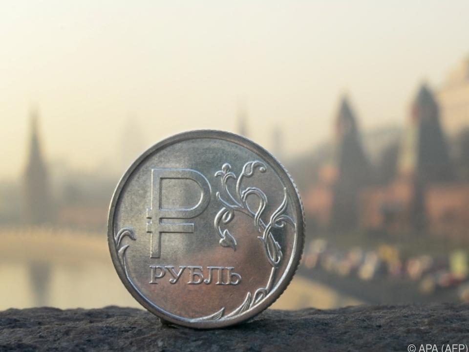 Der Rubel rollt wegen der Sanktionen langsamer