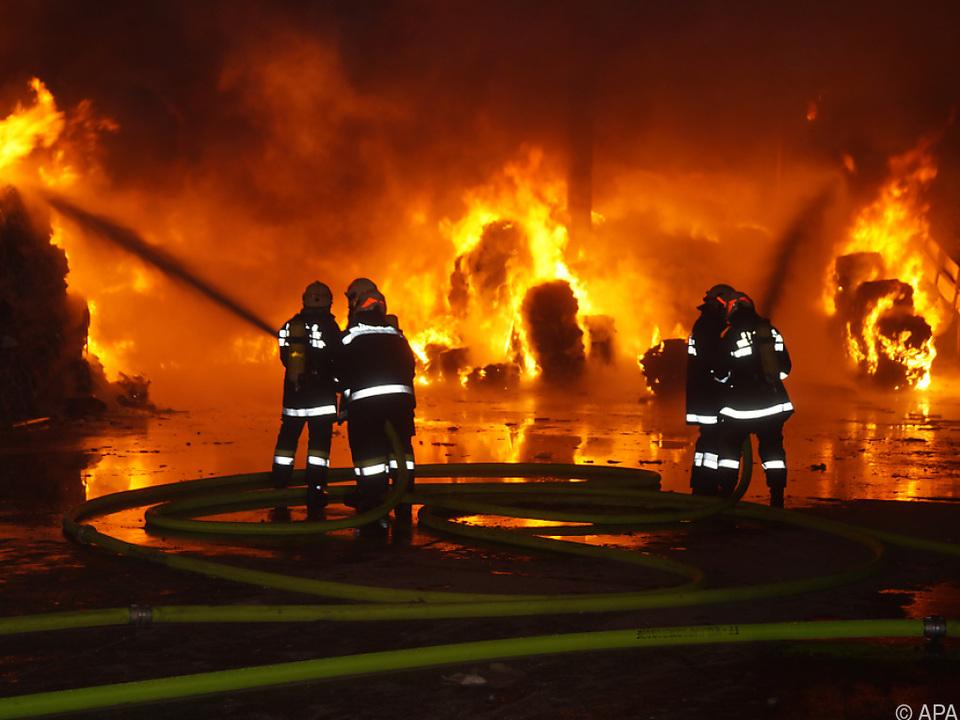 Die Brandursache ist weiterhin unklar feuerwehr sym
