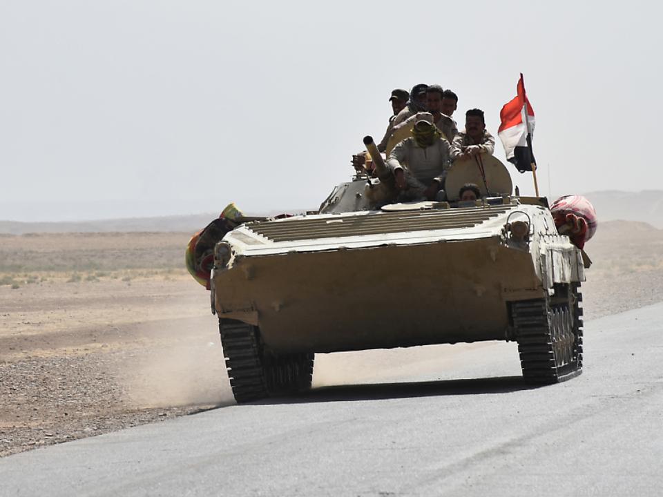 Die irakische Armee will Militärstellungen zurückerobern