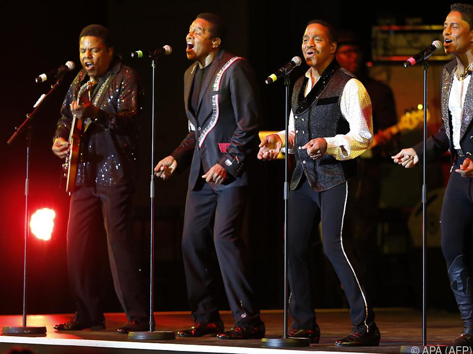 Die Jacksons vermissen ihren berühmten Bruder Michael