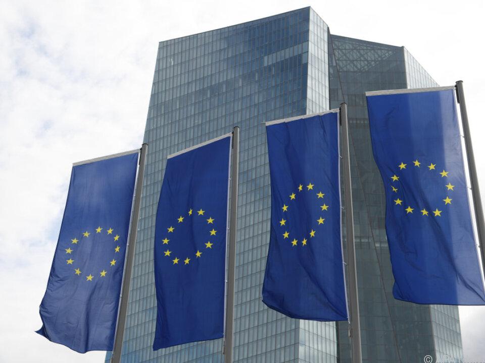 EZB kauft zur Ankurbelung der Konjunktur Staatsanleihen im großen Stil
