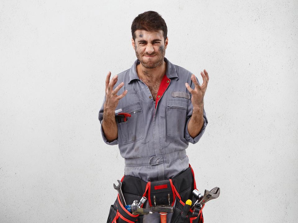 handwerker arbeit gestresst stress job sym