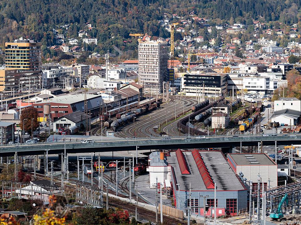Für Innsbruck wären es die dritten Olympischen Spiele sym