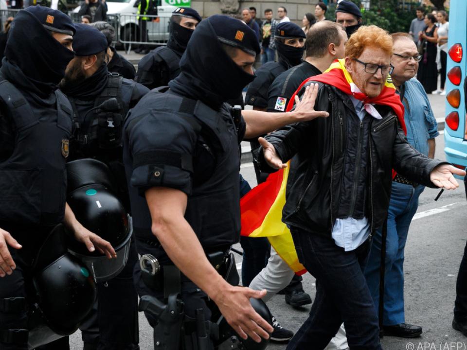 Hunderte Menschen wurden durch Polizeigewalt verletzt
