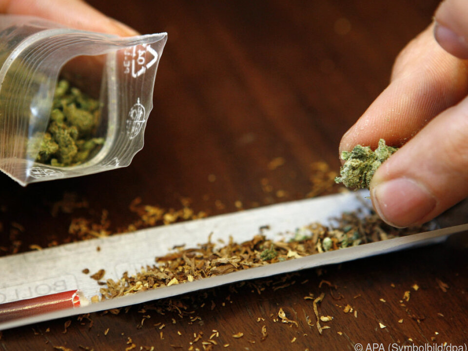 Illegale Drogen führen zu Wahrnehmungsstörungen marihuana