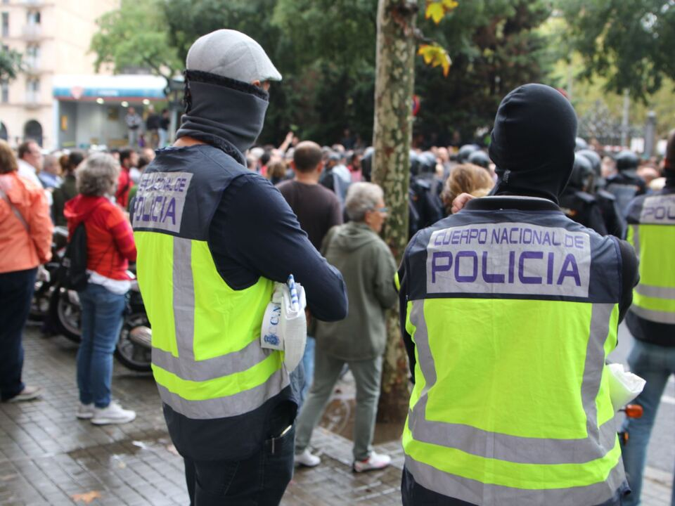 Katalonien Referendum Guardia Civil Demonstranten