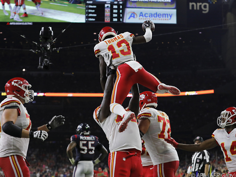 Kansas City Chiefs feiern De\'Anthony Thomas nach einem Touchdown
