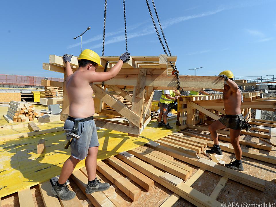 Mehrere Tausend Baustellen-Kontrollen gab es bis August baustelle arbeit sym