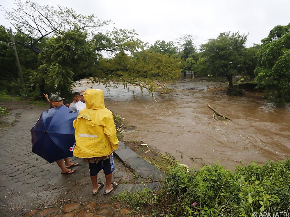 Nate brachte Überschwemmungen und Erdrutsche