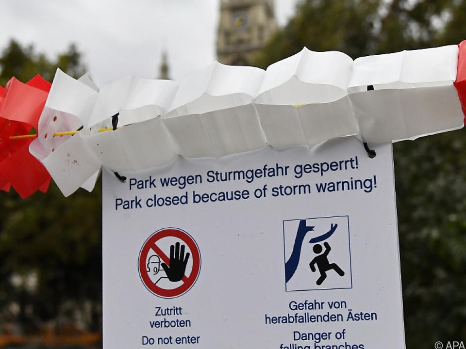 Parks wurden wegen des Sturms gesperrt