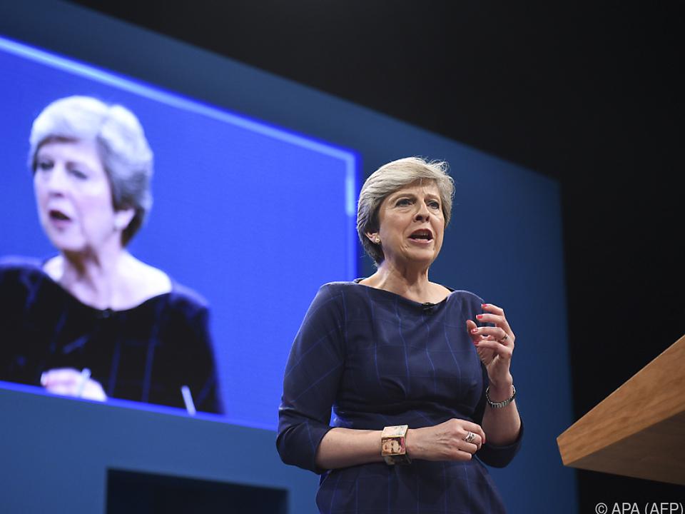 May bereitet sich auf Chaos beim Brexit vor