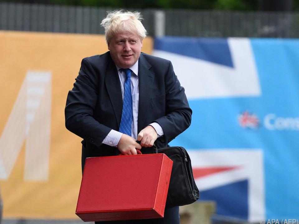 Britischer Außenminister: Libyen muss nur die Leichen wegräumen
