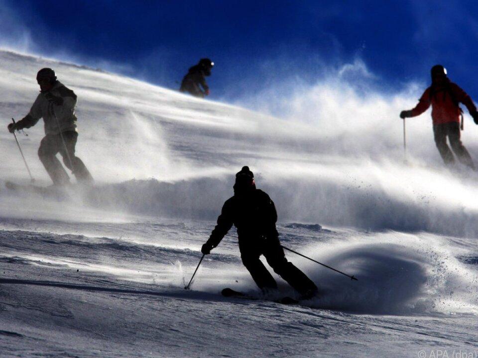 Skifahren ist ein teurer Spaß sym fot