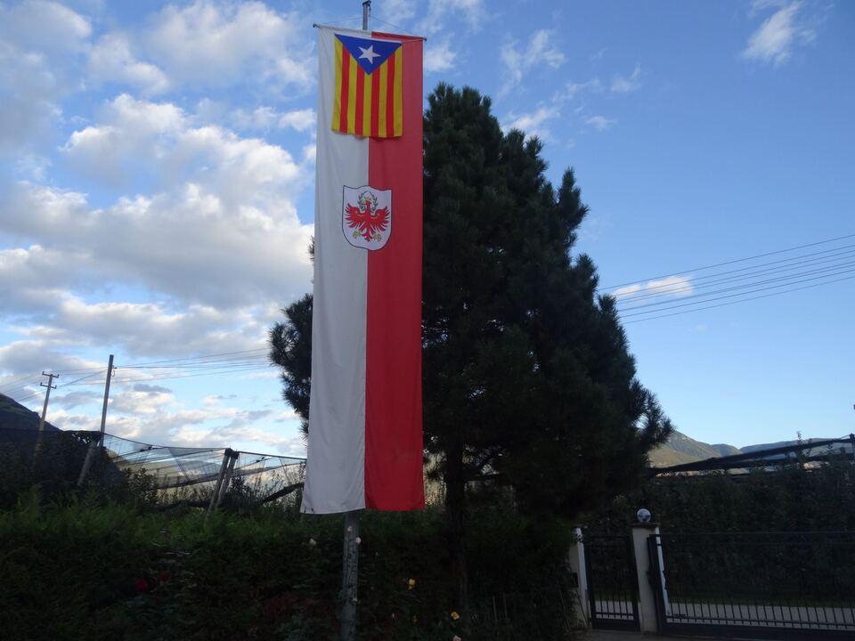 solidaritt-mit-katalonien-fahnen