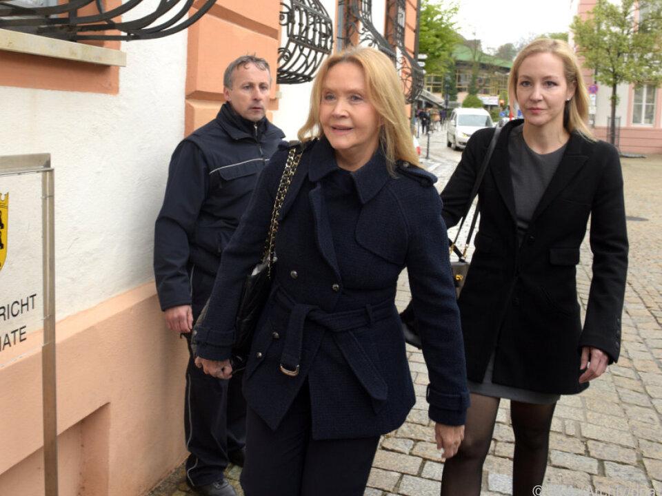 Zivilprozess gegen die Ehefrau und Kinder von Anton Schlecker
