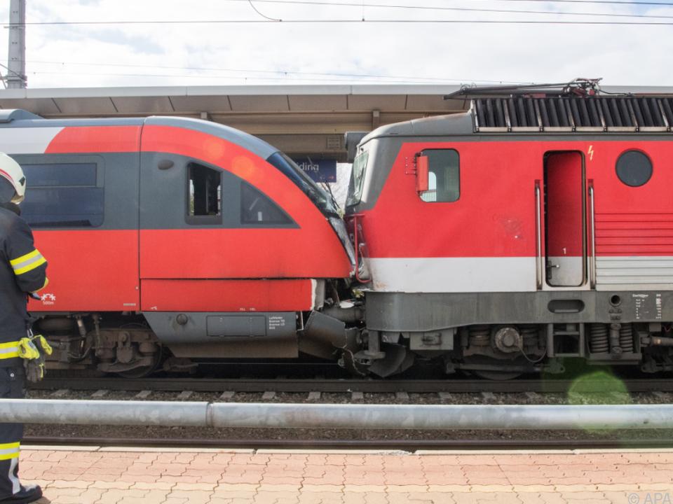Züge kollidierten bewusst