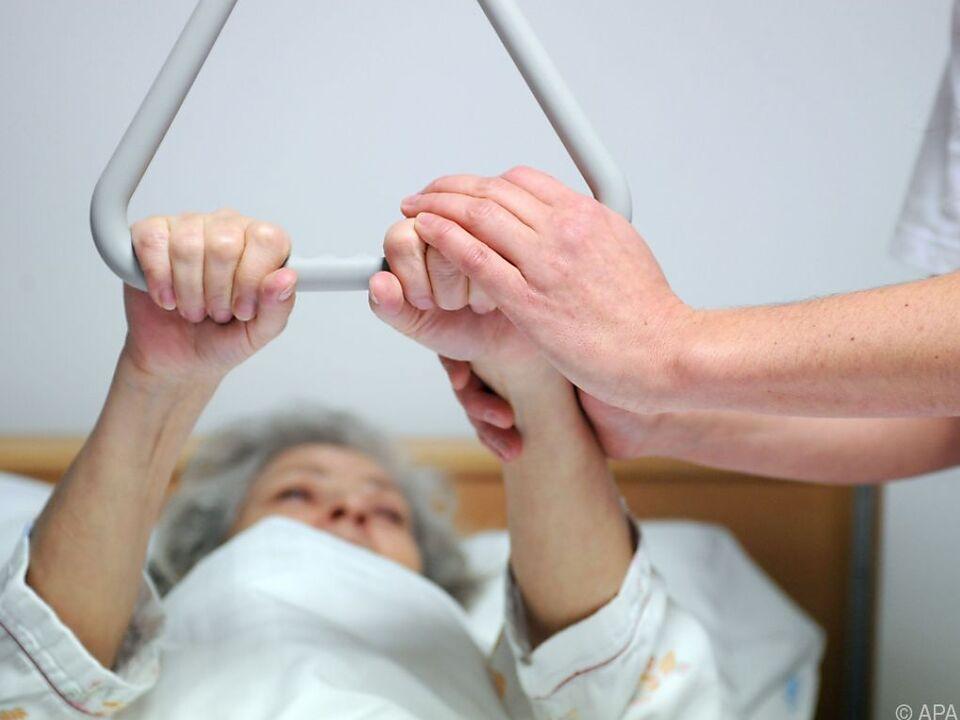 78 Prozent haben Angst davor, im Alter ein Pflegefall zu sein