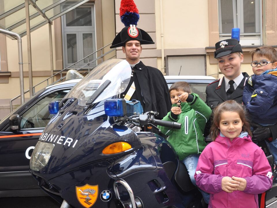 bambini-carabinieri-bolzano