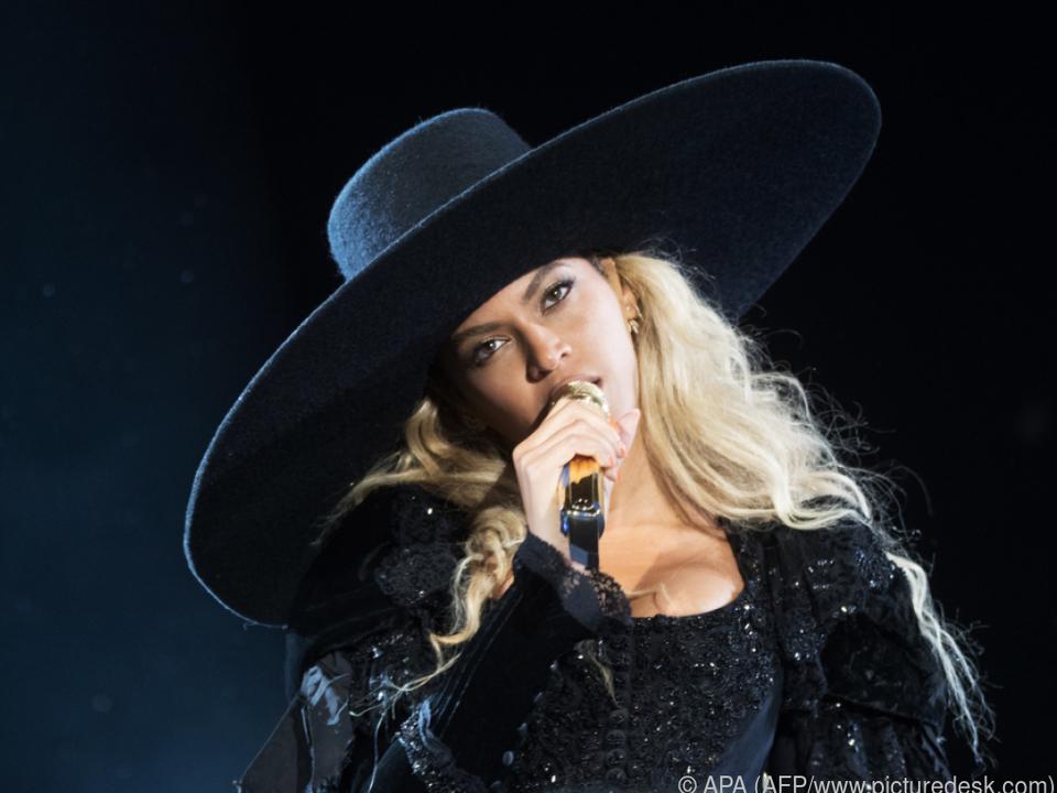 Beyonce trug den Hut auf ihrer \