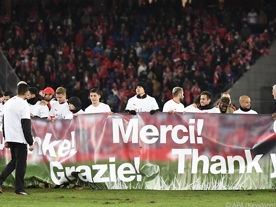 Das Schweizer Team feiert die WM-Qualifikation