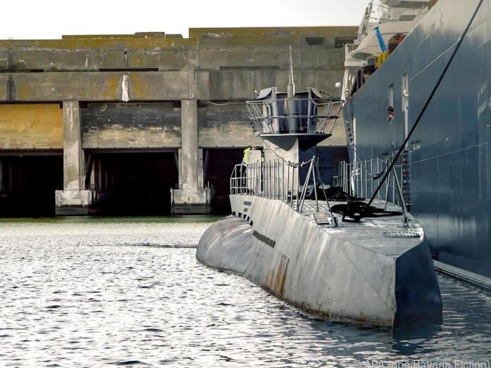 Die 240 Tonnen schwere U-Boot-Replika liegt in La Rochelle