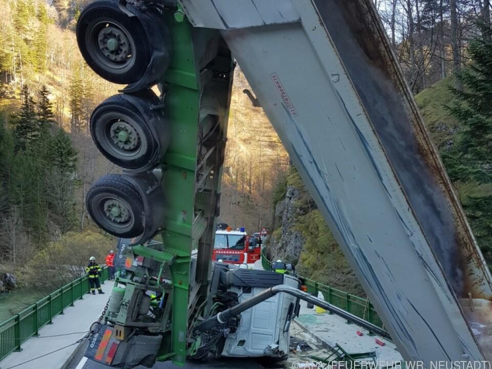 Die Bergung des Lastwagens war aufwendig