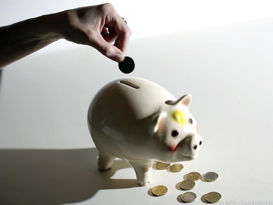 Die Regierung muss von Anfang an sparen