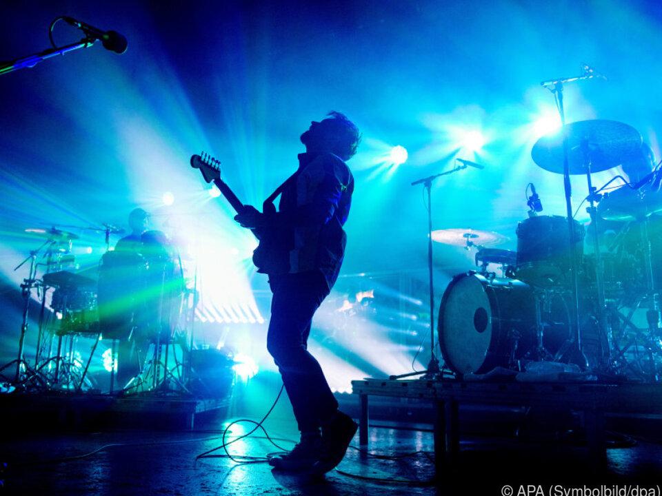 Eine Überzahlung ist weiter möglich musik rock gitarre sym