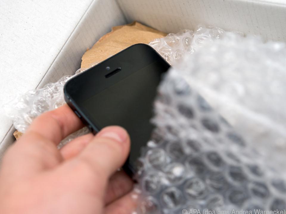 Gerade gebrauchte iPhones kann man häufig günstiger kaufen als Neuware