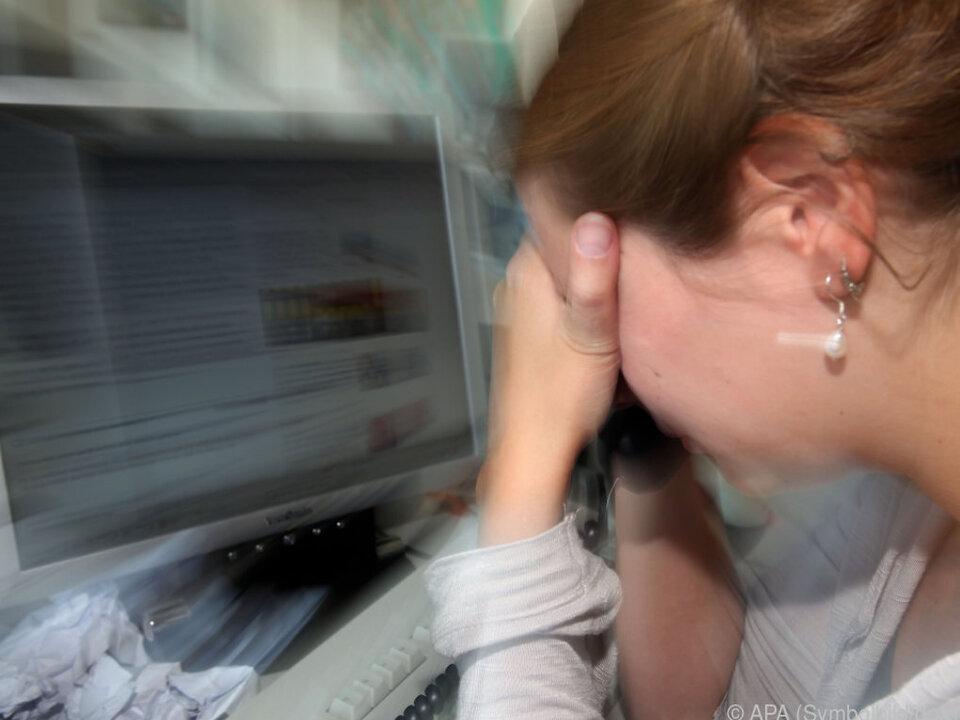 Hauptgründe für Belastung sind Arbeit, Finanz-Situation und Familie burnout